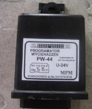 00000017 - Ablaktörlő ütemadó 215x215